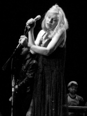 Courtney Love Daily Routine